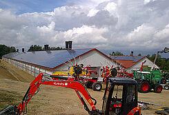Einweihung zwei gelungener Neubauten für die Hähnchenmast anlässlich eines Tag des offenen Hofes