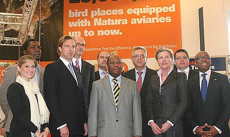 Der Botschafter von Mosambik, Amadeu da Conceicao, zu Gast bei Big Dutchman.